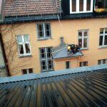 Tilkomstteknikker fra High Access Solutions renser takrenner