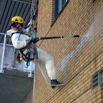 Tilkomstteknikker fra High Access Solutions vasker fasade